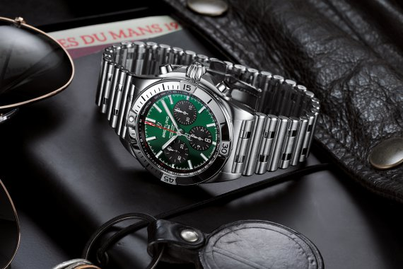 07_chronomat-b01-42-bentley-1-1500x1000.jpg